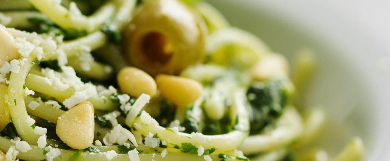 Zielono mi czyli makaron z sosem szpinakowym